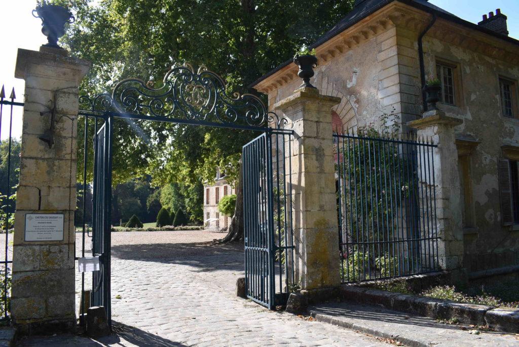 Entrée du Château du Saussay