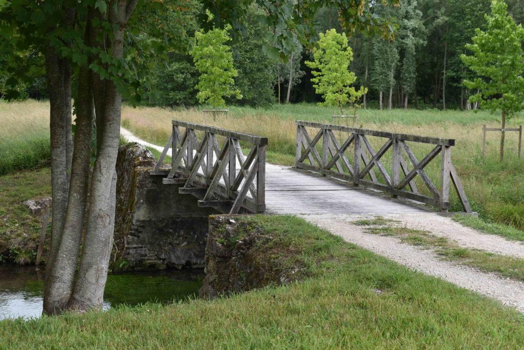 Pont en bois du parc de Méréville
